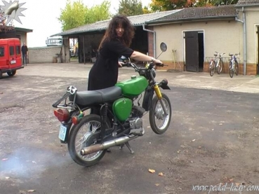 pedal-lady - Moped purchase