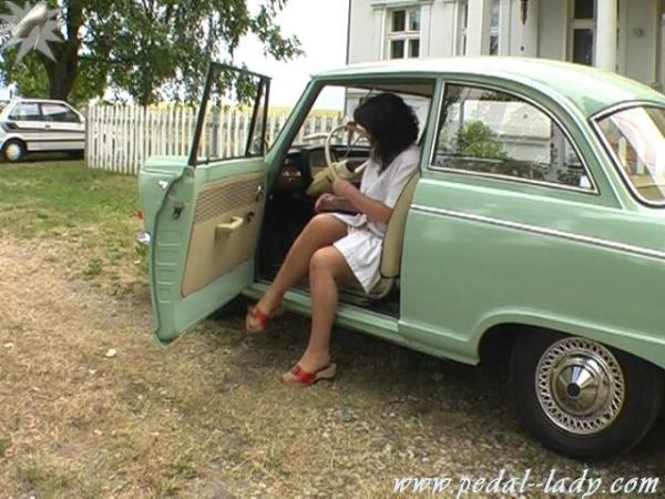 Nurse in her brake - 5 6